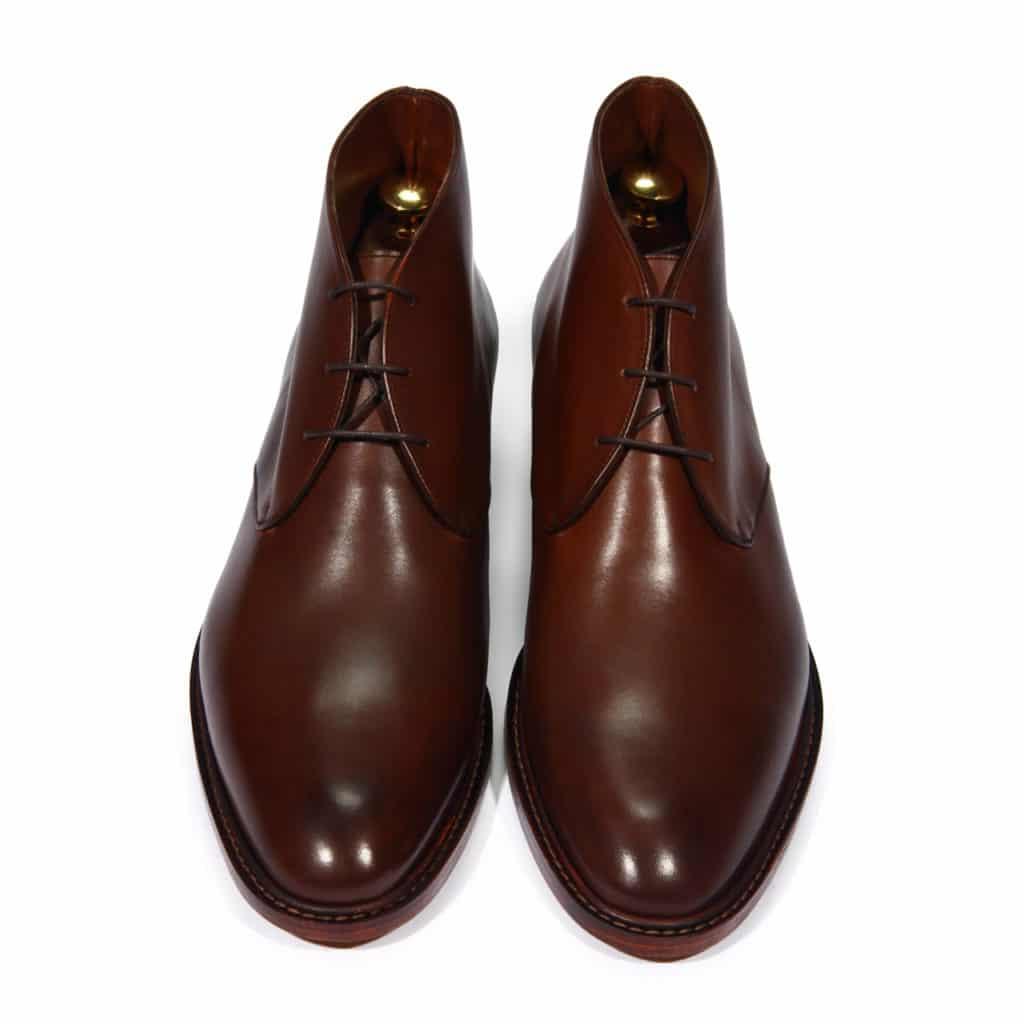 Chukka marron face 1024x1024 - Type de chaussures pour hommes : découvrez tous les modèles existants