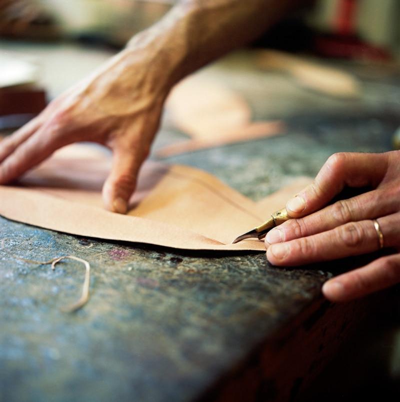 Poste Bottier - Comment fabriquer une paire de chaussures
