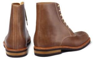 bottine plateau taupe dos 300x191 - Qualité du cuir - comment reconnaître un vrai cuir de qualité (2/2)