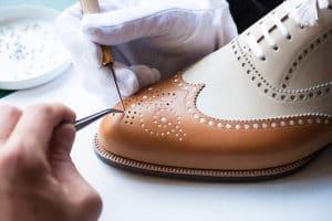 chaussures sur mesure 300x200 - 10 choses à vérifier avant d'acheter des chaussures en cuir