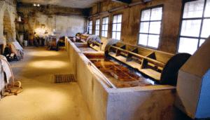 shapeimage 1 300x171 - Fabrication du cuir : bonnes pratiques et choses à éviter