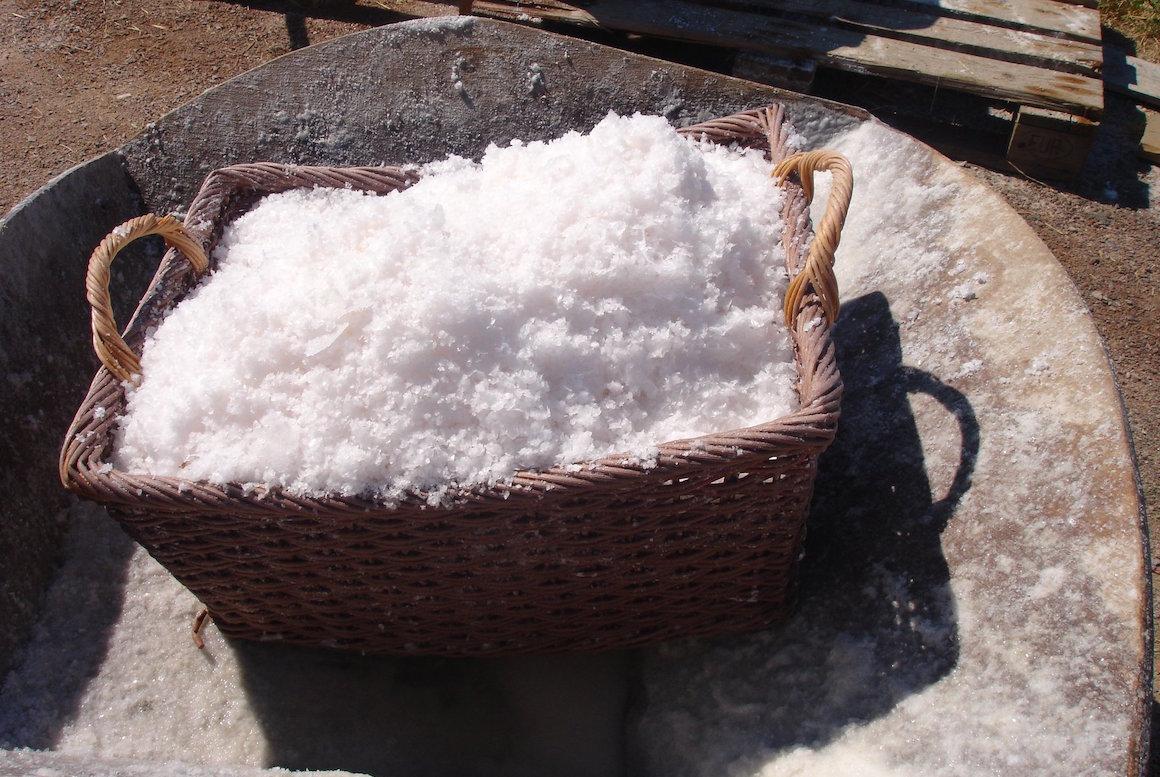 Enlever les taches de sel sur vos chaussures en cuir for Enlever une tache de cirage