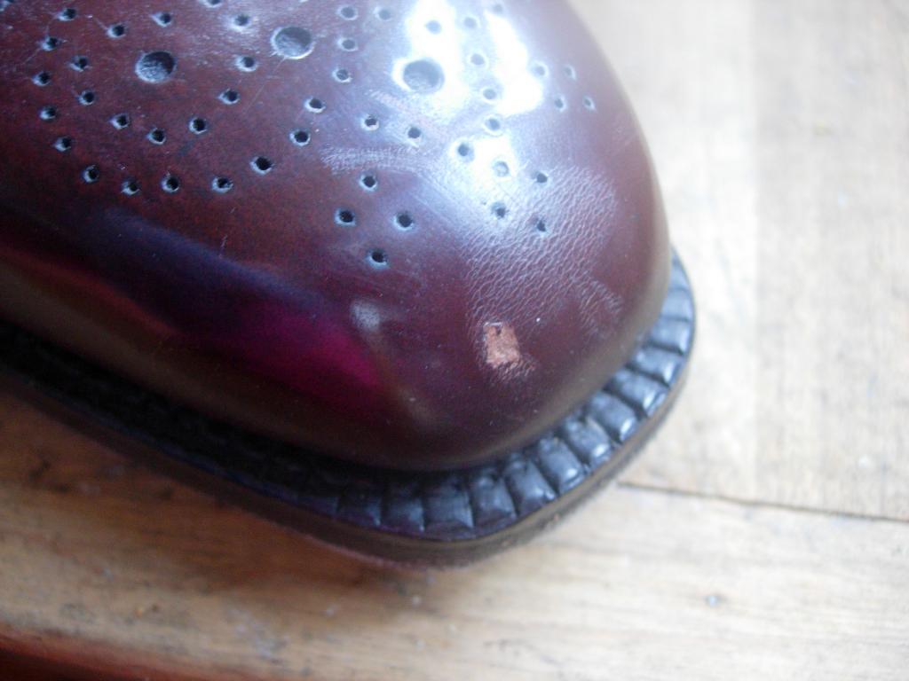 réparer accroc cuir chaussure
