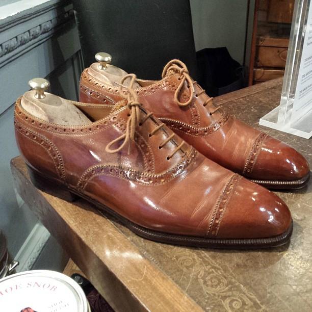 plis d'aisance sur cuir chaussures