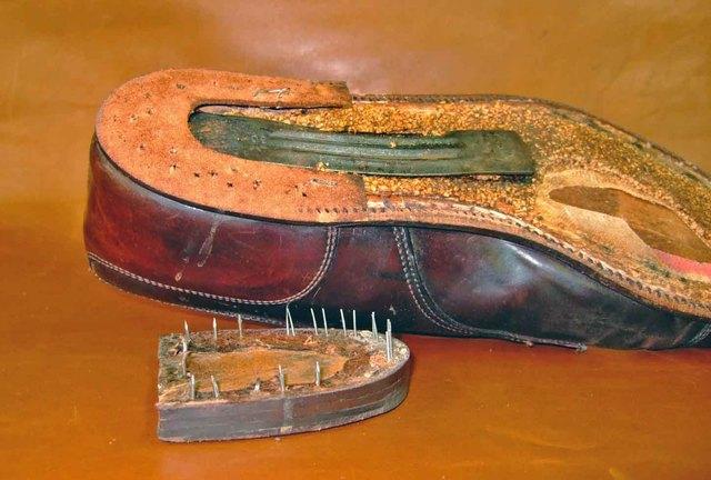 cambrion en métal - Cambrion, garniture, bout dur, etc. : l'importance des pièces invisibles