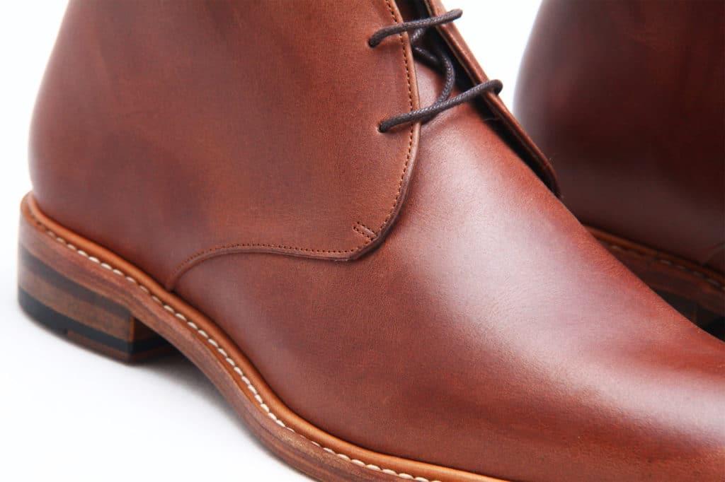 chukka detail 1024x682 - Chukka et double boucles font peau neuve !