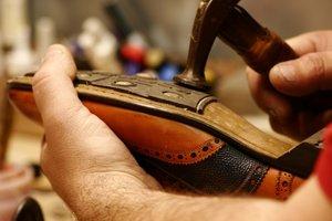 pose patin Topy cordonnier - Topy, l'indispensable patin pour chaussures ! Oui mais lequel ?