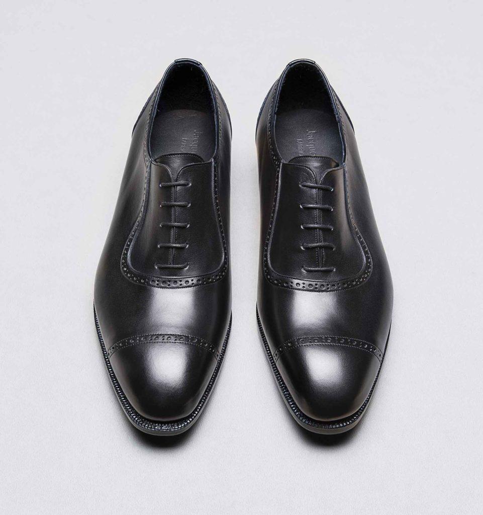 adelaide noir 2 961x1024 - Chaussures en cuir noir: indispensables ou à éviter ?