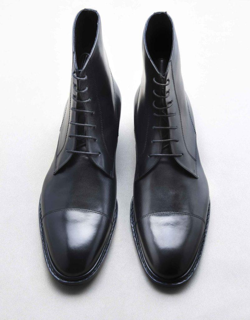 city boots noir 802x1024 - Chaussures en cuir noir: indispensables ou à éviter ?