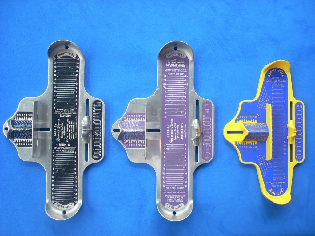 Avec cet appareil vous aurez, de façon précise, les 3 mesures importantes de vos pieds.