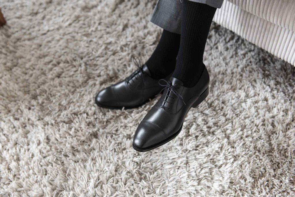 richelieu bout droit noir 5 1024x683 - La chaussure richelieu : origines et histoire