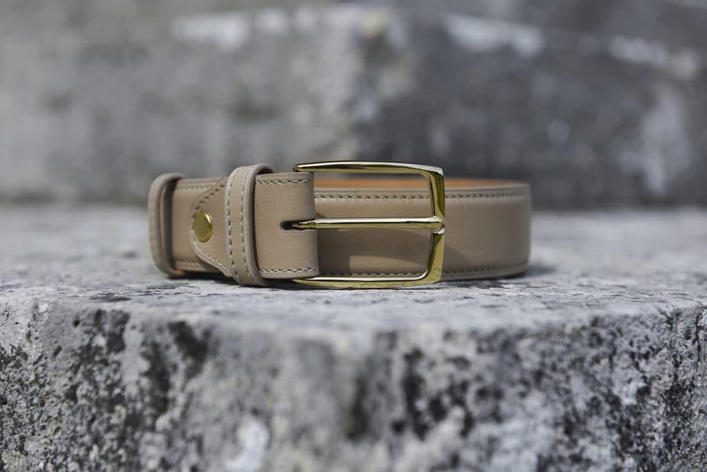 ceinture cuir beige 1024x684 - 5 nouvelles patines, 7 nouvelles ceintures : 57 possibilités !