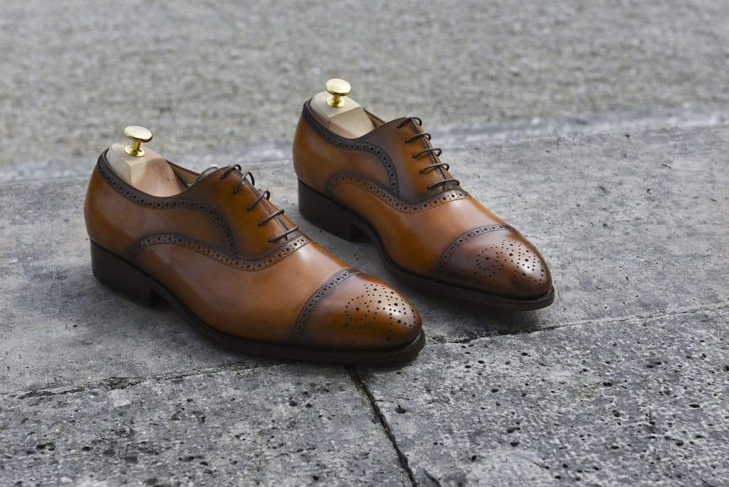 richelieu brogue antique 1024x684 - 5 nouvelles patines, 7 nouvelles ceintures : 57 possibilités !