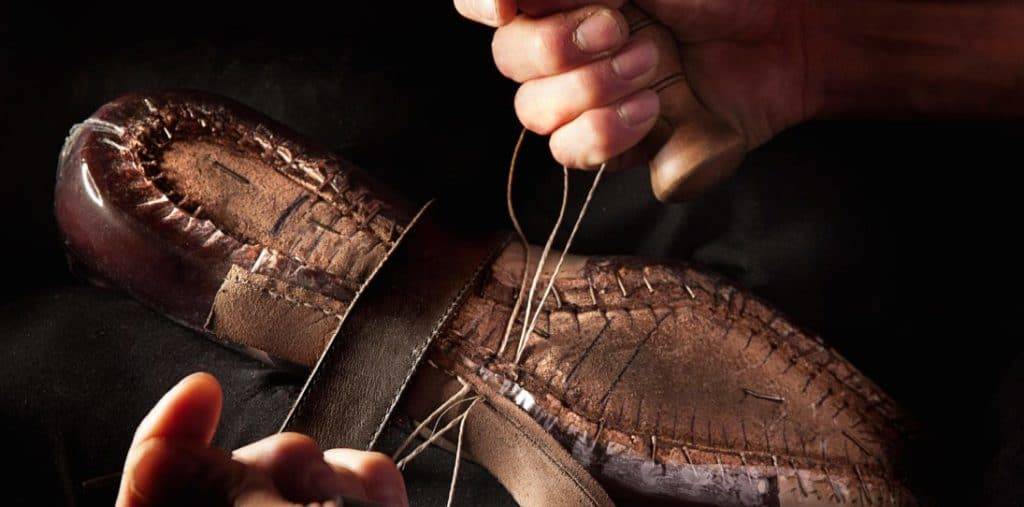 bespoke shoes by aubercy 1095x542 1